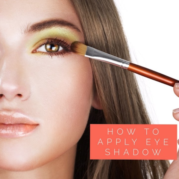 BEAUTY TIP OF THE WEEK: How to apply eye shadow!